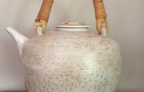 Esias Bosch, A large Porcelain Tea Pot (h: 36cm) (sold)